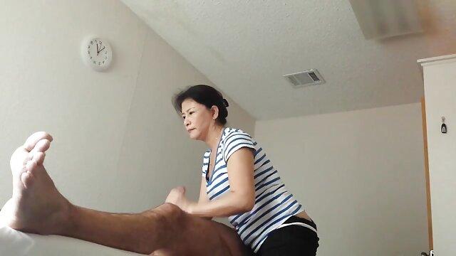 एशियाई और काँसे के रंग का एक सामान्य सेक्सी वीडियो फुल मूवी एचडी आदमी की जरूरत
