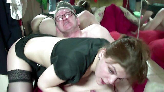 चश्मा और एचडी फुल सेक्सी फिल्म बड़ा मोटा दोस्त में महिला ।