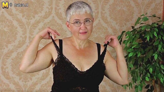 एक व्यापार बीएफ सेक्सी मूवी फुल एचडी में स्तन के साथ मिठाई