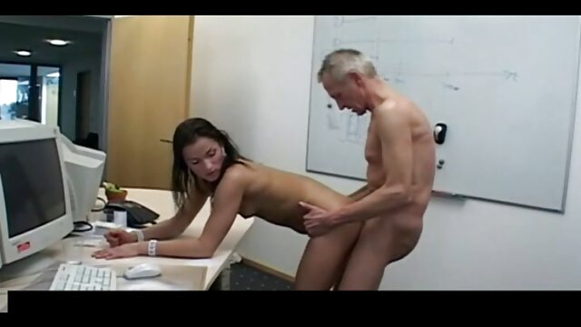 ड्रेसिंग रूम बीएफ सेक्सी मूवी एचडी फुल में महिला