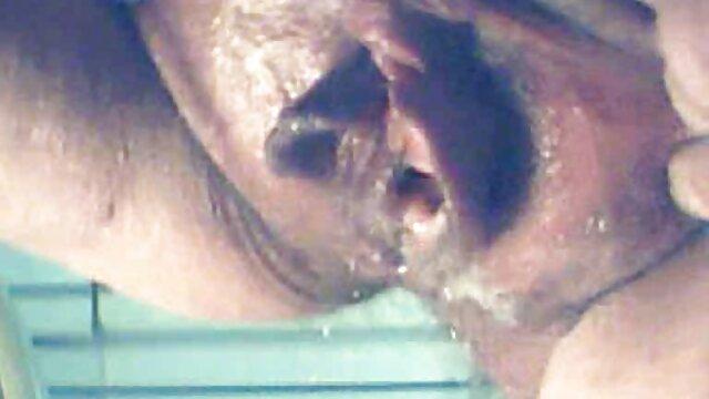 तेल लगाने और एक मसाज पार्लर सेक्सी फिल्म फुल एचडी में
