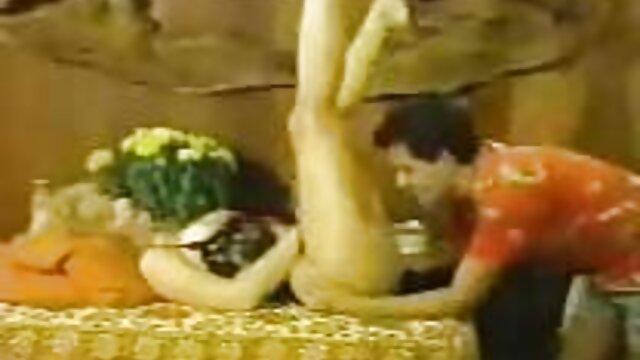 माता-पिता बड़े विलासिता सेक्सी वीडियो एचडी हिंदी फुल मूवी के साथ युवा गोरा बांधना